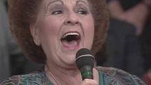 Lifeboat (feat. The Happy Goodmans) (Live) - Bill & Gloria Gaither